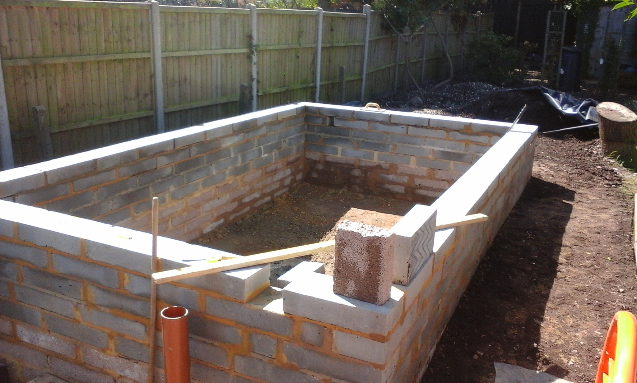Pond construction pond design pond maintenance pond for Koi pond builders uk